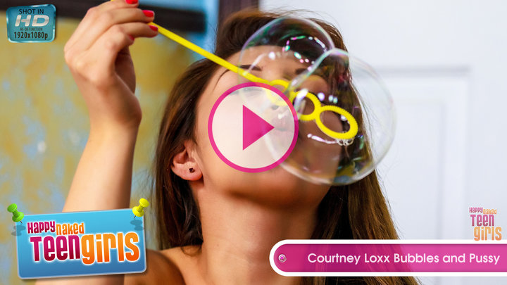 Courtney Loxx in Bubbles and Pussy - Play Video!